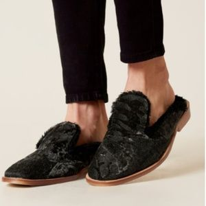 Free people faux fur lined tapestry mules size 37